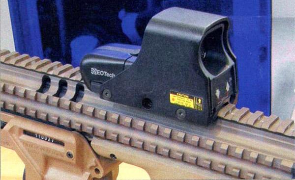 В прицеле ЕОTech прицельная марка является голографическим изображением