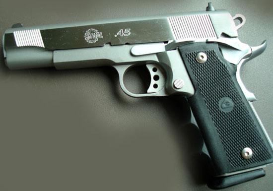 Pistola .45 GC MD2 A2