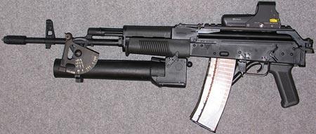 KbkS wz 96 Beryl с установленным подствольным гранатометом wz 74 Pallad