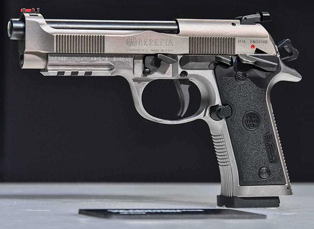 Beretta 92X Performance полностью изготовлен из стали с рамой Vertex с прямым задним выступом
