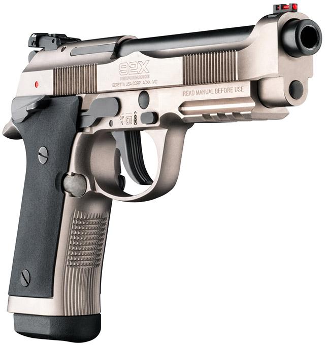 Правая сторона пистолета Beretta 92X Performance: обращают на себя внимание планка Пикатинни в передней части затвора и новый дизайн спускового крючка. Предохранитель на рамке двухсторонний