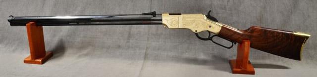 винтовка Henry с позолоченным ресивером