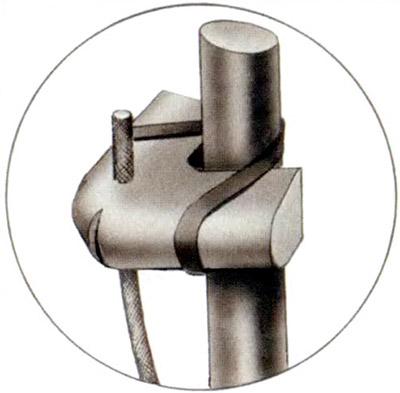 Взрывной элемент, установленный на прут с помощью резинового коленца (эскиз выполнен Г.А.Коробовым)