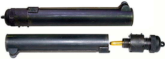 Стреляющее устройство «Sleeve Gun» (вверху - общий вид, внизу - при заряжании)