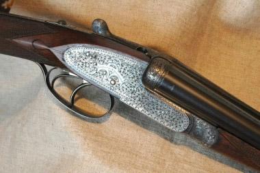 Охотничье ружье H&H Royal Hammerless Ejector класса The Best с подкладными замками