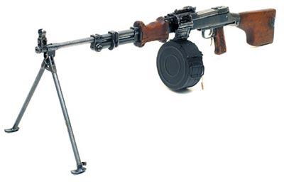 7,62-мм ручной пулемет Дегтярева РПД с двуногой сошкой