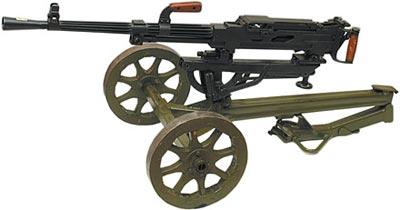 7,62-мм станковый пулемет Горюнова СГ-43 на колесном станке системы Дегтярева со сложенной стрелой