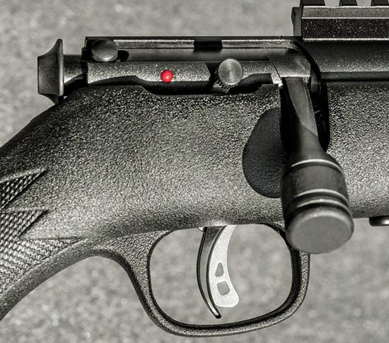 Спусковой механизм Savage Accutrigger позволяет настроить легкий спуск и одновременно обезопасить оружие от случайных выстрелов