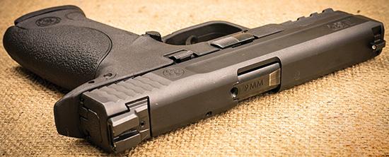 M&P9 —один из самых «тонких» пистолетов. Его ширина — всего 3 см