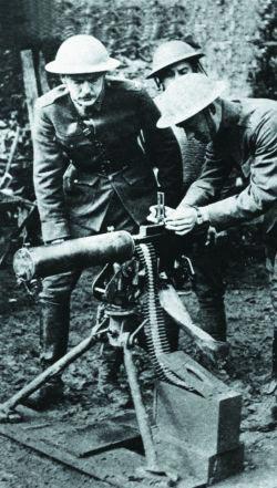 Американские солдаты со станковым пулеметом Браунинг М 1917. Франция. 1918 год