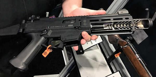 Reflex-Suppressed CZ Scorpion