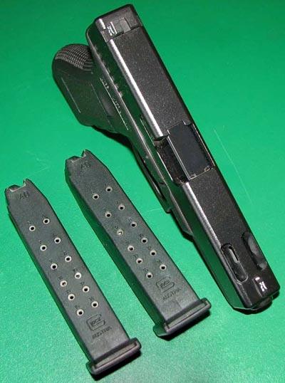 Glock 22C с магазинами емкостью 15 патронов
