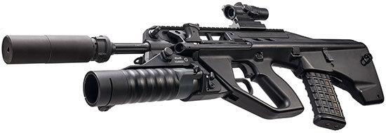 F90(G) с установленным глушителем звука и подствольным гранатометом GL40