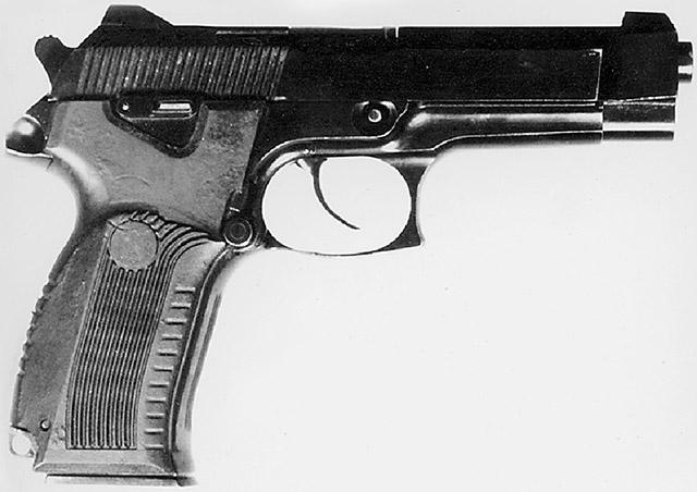 9-мм пистолет 6П35 конструкции Ярыгина В. А. («Ижмех») под патрон РГ 057 (9х19). Вид справа. Принцип работы автоматики – отдача затвора при коротком ходе ствола