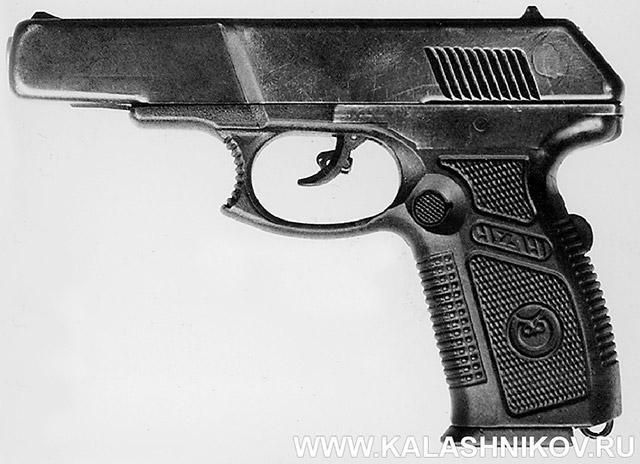 9-мм пистолет 6П35 конструкции Сердюкова П. И. под патрон 7Н21 (9х19). Вид слева. Принцип работы автоматики – отдача затвора при коротком ходе ствола