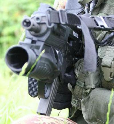штурмовая винтовка ARX-160 с установленным гранатометом GLX-160 вид спереди