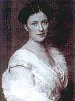 16-летняя Берта Крупп (1886-1957) стала единственной наследницей всех рудников, фабрик и заводов. В её честь была названа самая большая пушка крупповских предприятий - «Большая Берта». В первую мировую это орудие сыграло решающую роль в военных успехах Германии на западном фронте: из него обстреливали даже Париж
