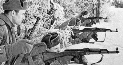 Стрельба из 7,62-мм автомата Калашникова АК на огневом рубеже