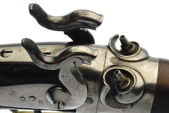 Семь каналов ствола и два затравочных стержня — такое конструктивное решение позволяет осуществить из ружья два залпа из трех и четырех стволов.