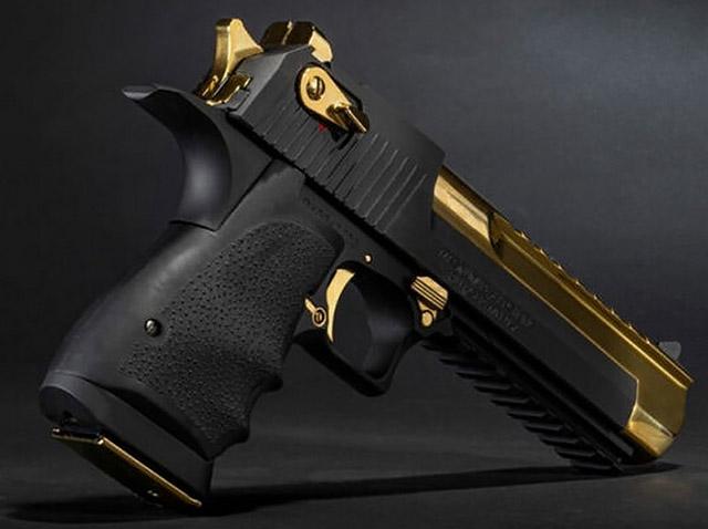 Black & Titanium Gold Desert Eagle (DE50BATG)