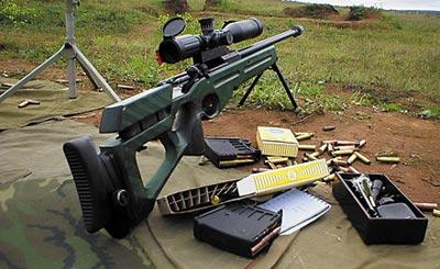 Трансформируемый приклад с регулируемым резино-металлическим затылком снайперской винтовки СВ-98 служит для уменьшения действия силы отдачи при выстреле