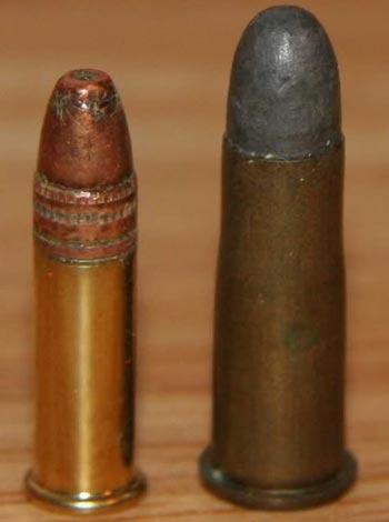 .22 LR (слева) .297/250 Rook Rifle (справа)