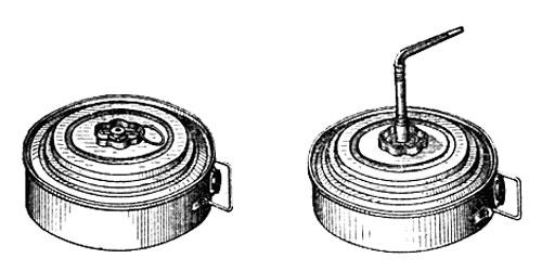 Слева мина со взрывателем МВМ, справа со взрывателем МВШ