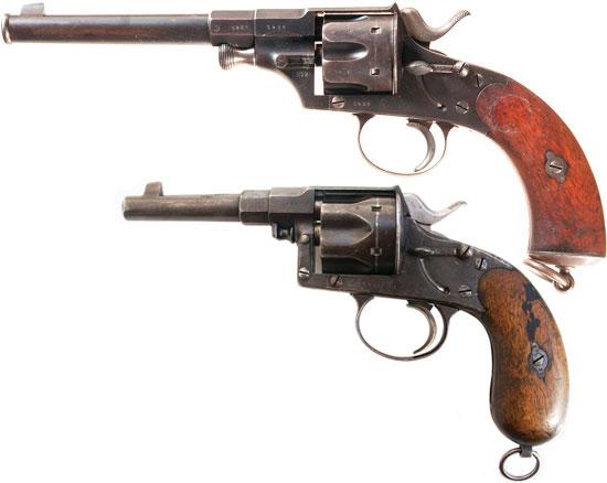 Reichsrevolver М 1879 (сверху) в сравнении с Reichsrevolver M 1883 (снизу)
