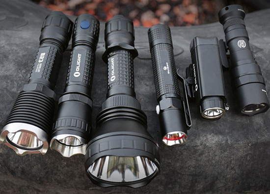 Тактический фонарь