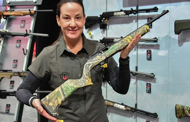 Самозарядная винтовка Performance Center T/CR 22 с камуфляжной ложей и планкой Пикатинни
