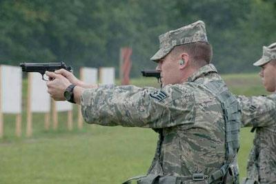 ВВС США испытают новые пистолеты