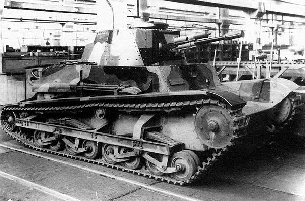 Опытный образец лёгкого танка LT vz.34 в цехе завода