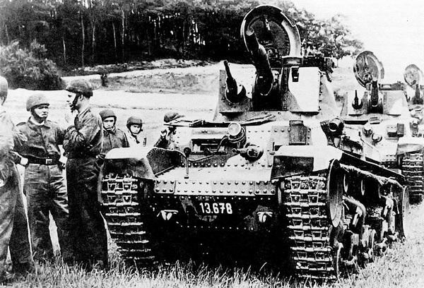 Танки LT vz.35 на манёврах чехословацкой армии. 1937 год.