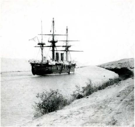 """""""У причала завода стоял новенький, готовый к отплытию """"Владимир Мономах"""" — громадный корабль с великолепным вооружением; выкрашенный, прибранный,— он напоминал прогулочную яхту. Из двух труб крейсера вырывался черный густой дым, заволакивающий горизонт — """"Мономах"""" проходил Кронштадт. Через несколько часов за кормой остались острова Сескар и Гогланд."""