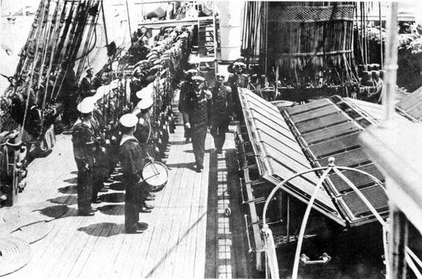 """""""Дмитрий Донской"""" в Нью-Йорке. 1893г. (вверху)"""