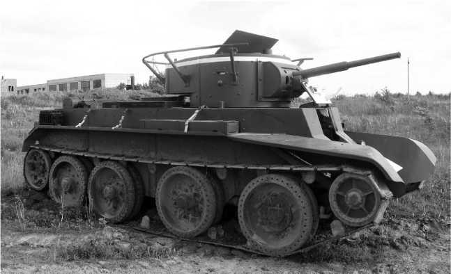 Доживший до наших дней участник боев в районе Сенно — Лепель — танк БТ-75-го мехкорпуса. Машина восстановлена реставрационной группы «Эхо войн», находится в отличном состоянии и на ходу.Май 2010 года.
