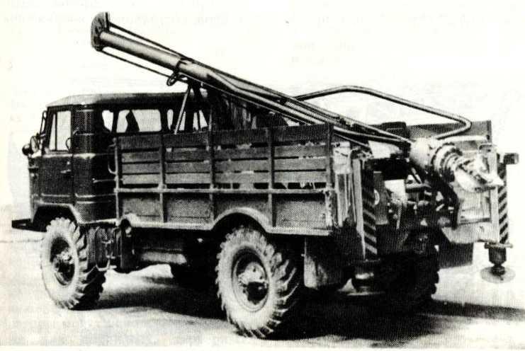 78. Буровая установка на автомобиле ГАЗ-66