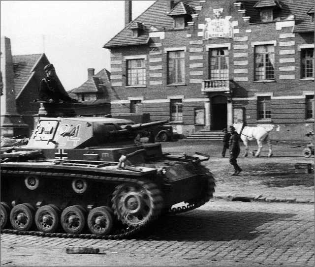 Средний танк Pz.III Ausf.F из состава 3-й танковой дивизии. Франция, 1940 год.