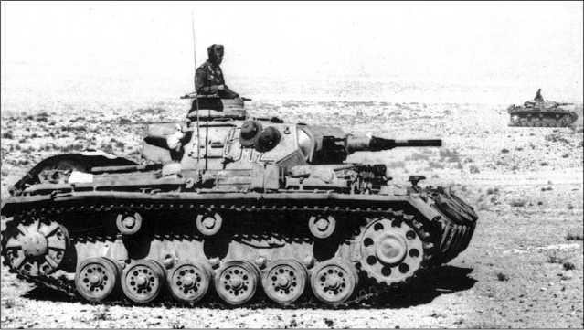 Pz. Ausf.G из 6-й роты 5-го танкового полка в бою. Северная Африка, 1941 год.