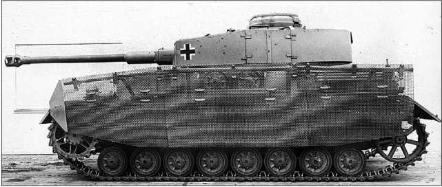 Pz.IV Ausf.H, оснащенный сетчатыми бортовыми экранами «типа Тома». 1943 год.
