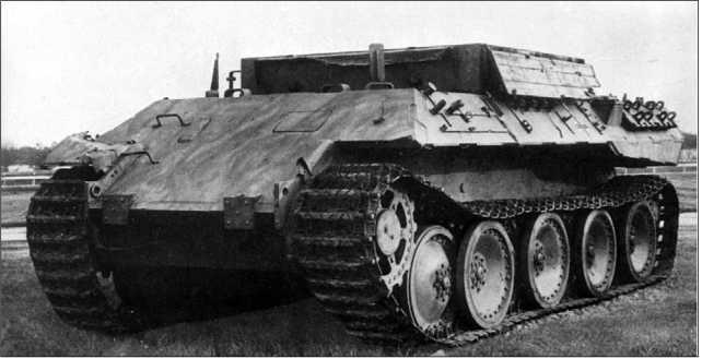 Первый вариант БРЭМ Bergepanther представлял собой «Пантеру» Ausf.D со снятой башней и установленной вместо нее грузовой платформой.
