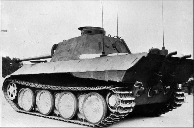 Командирский танк Sd.Kfz.267, изготовленный на базе «Пантеры» модели D.