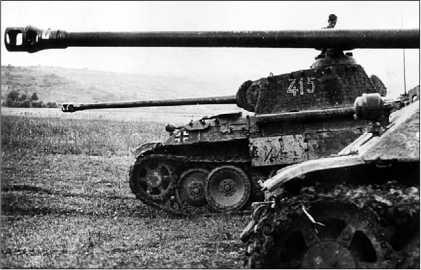 «Пантеры» Ausf.D к бою готовы. Парашютно-танковая дивизия «Герман Геринг», 1943 год.