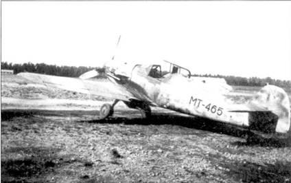 Истребитель Bf.109G из 2/HLeLv-24, на нем летал I-й лейтенант Атти Ниман (5 побед).