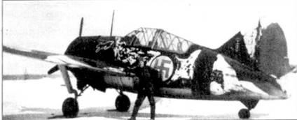 Истребитель Брюстер «модель 239» с бортовым кодом «BW-368» из 3/LeLv- 24, аэродром Контупохья, март 1942г. На истребителе регулярно летал сержант Нильс Катаяйнеи, на киле самолета нанесены отметки о шести сбитых самолетах. На руле направления зеленого цвета желтой краской написан тактический номер «I» (на снимке едва заметен). Всего па Брюстерах «Нина» Катайяйнен одержал 17,5 побед.