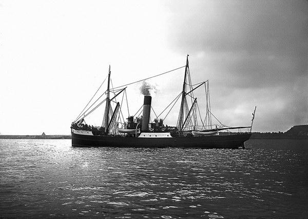 §2. Портовые пароходы «Силач» и «Могучий»