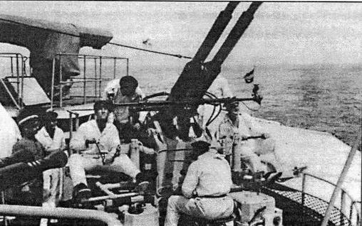 Крейсер Java. Зенитные установки Bofors с системой управления огнем Hazemeyer, появившиеся на корабле в конце 30-х годов