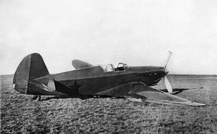Серийный И-26 (заводской №0201, завод №301), аварийная посадка 28 октября 1940 года, во время сдаточных испытаний. Летчик М.И. Иванов