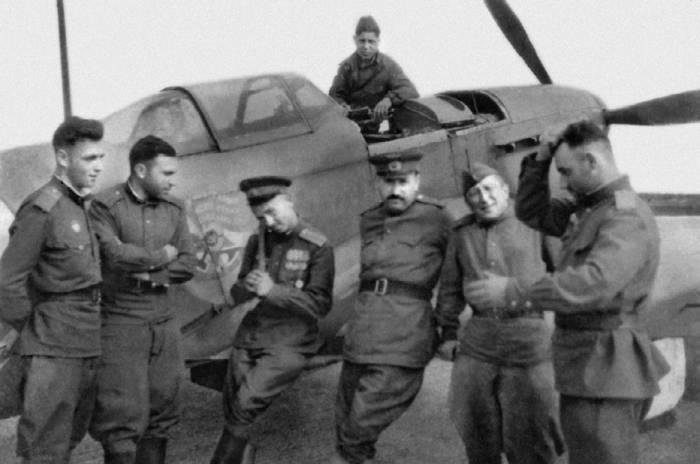 Безымянный Як-1 с орденом Боевого Красного Знамени на борту
