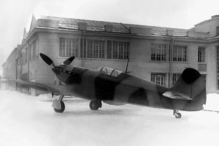 Второй экземпляр истребителя И-30. 1941г.